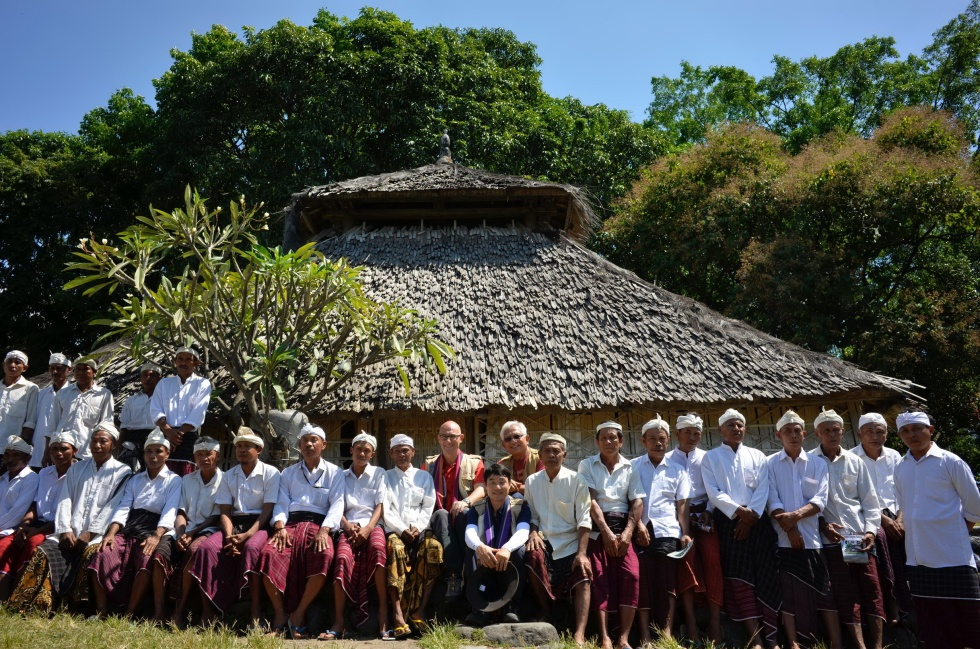 Khariah bersama Masjid Bayan Belek, masjid tertua di Lombok